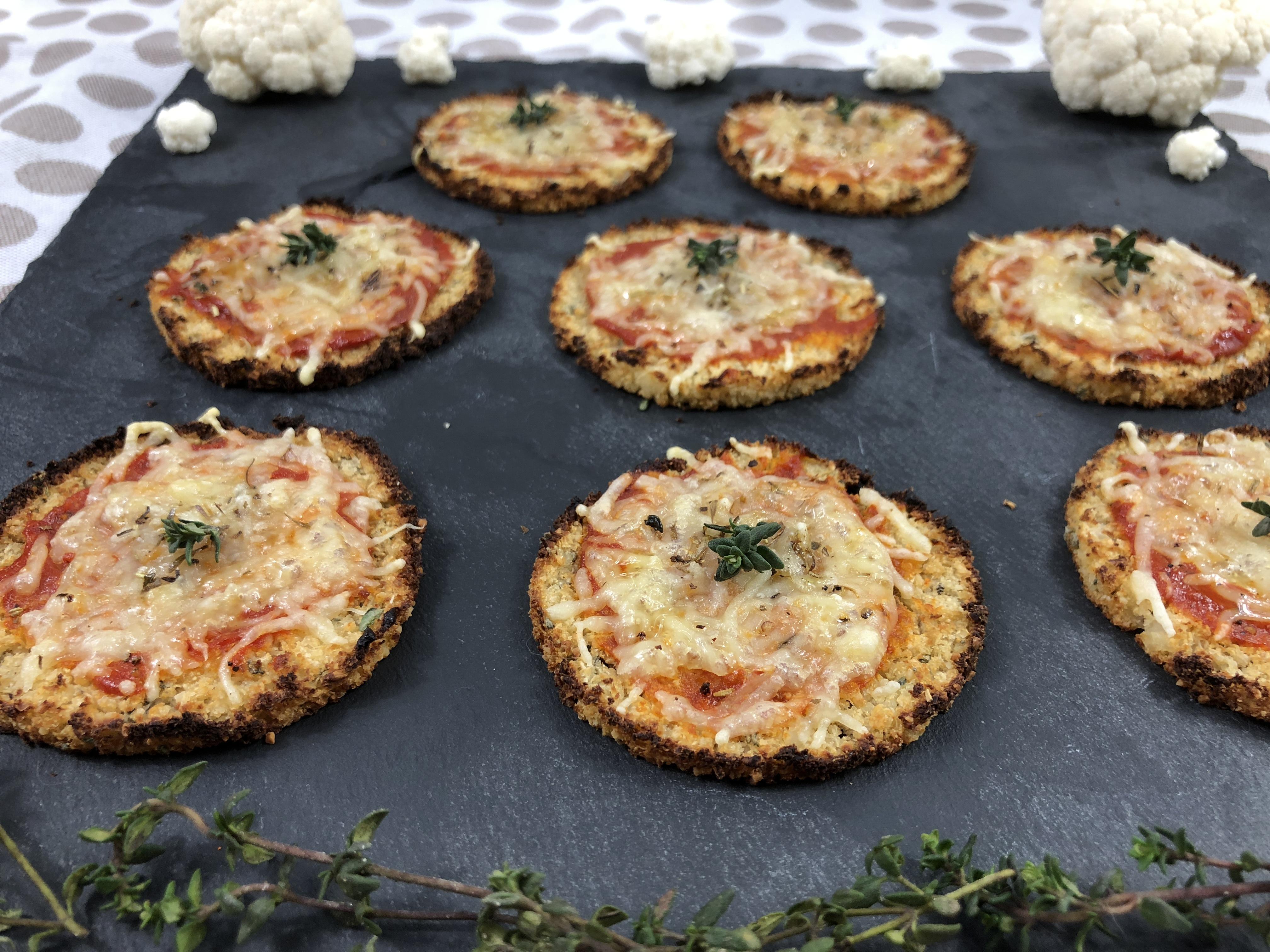 Mini pizza base chou-fleur pour l'apéritif